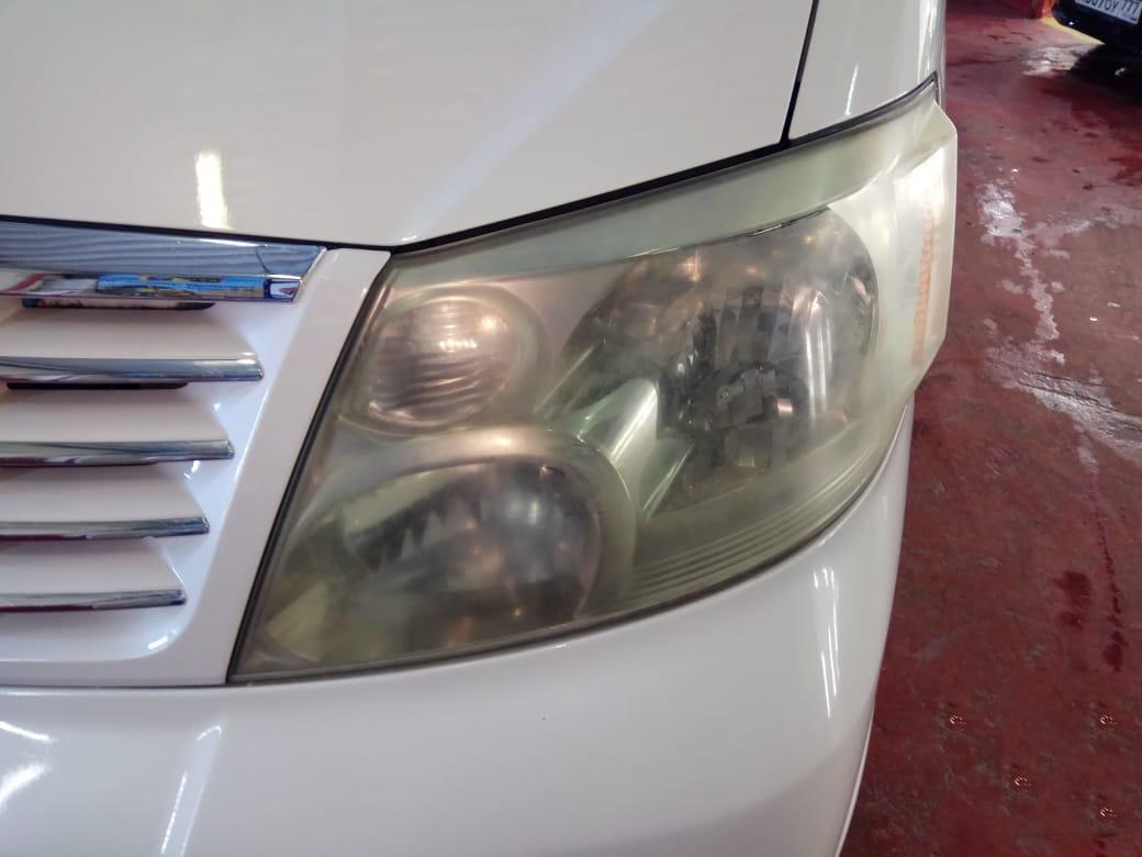 Полировка стекол фар автомобиля slider image 1