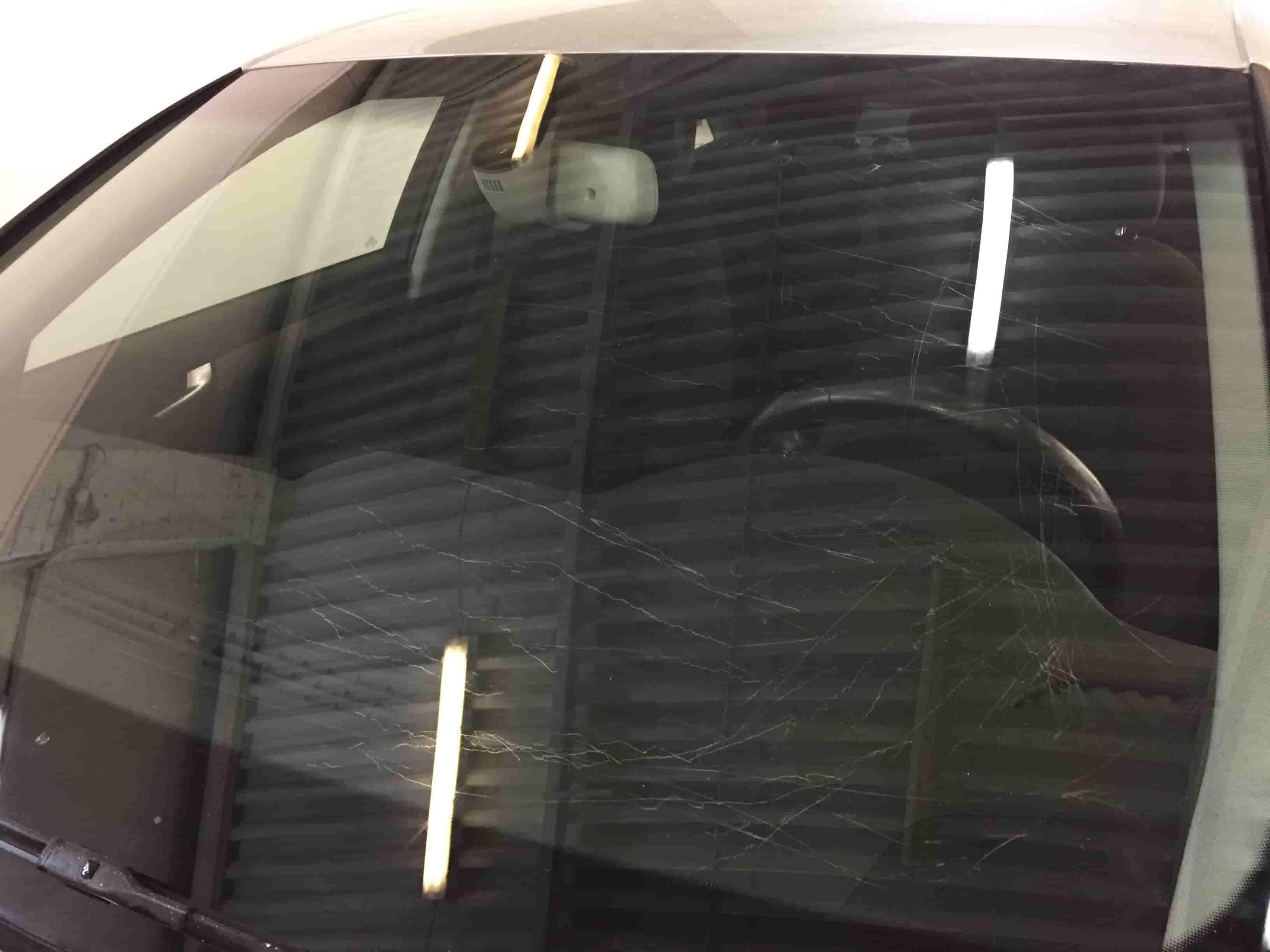 Полировка лобового стекла до/после в Москве картинка 1
