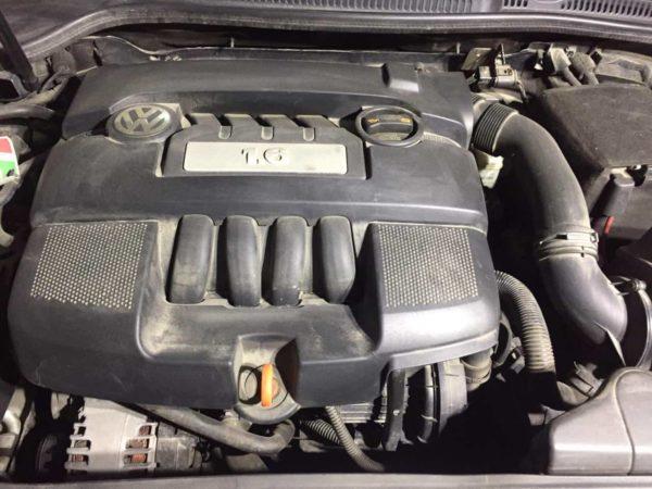 Мойка двигателя паром WV Golf 6 в Москве