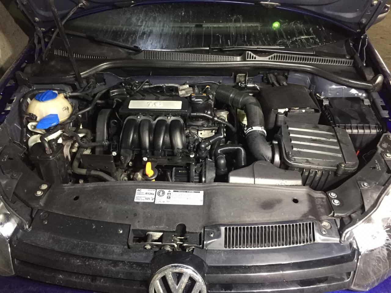 Мойка двигателя паром Golf VI в Москве
