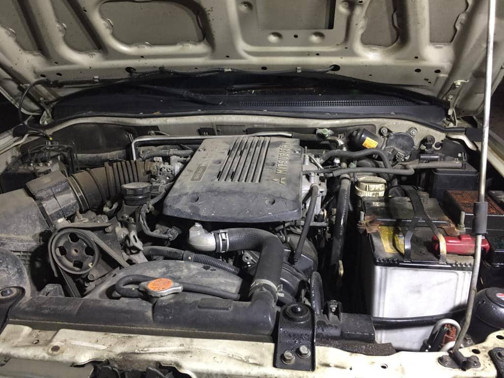 Мойка двигателя паром Mitsubishi Pajero Sport в Москве