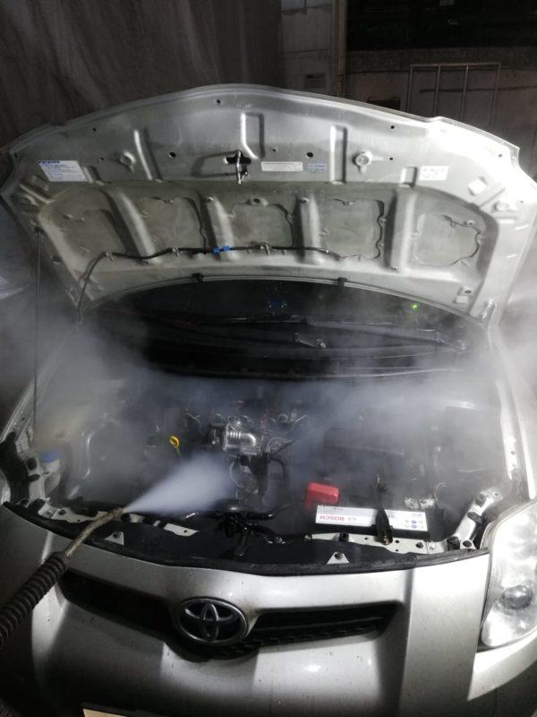 Мойка двигателя паром. Тойота Аурис 44
